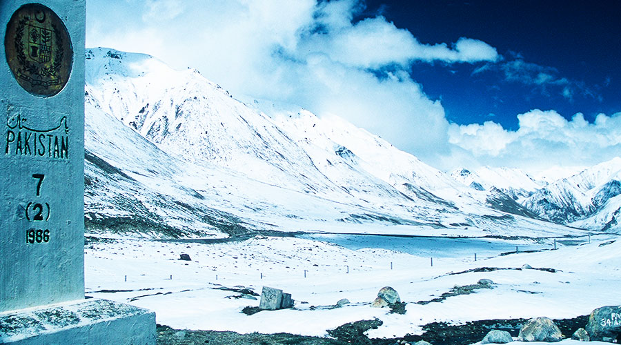 Khunjerab Pass (4,693 m) Sino-Pakistani border crossing - Steven Andrew Martin