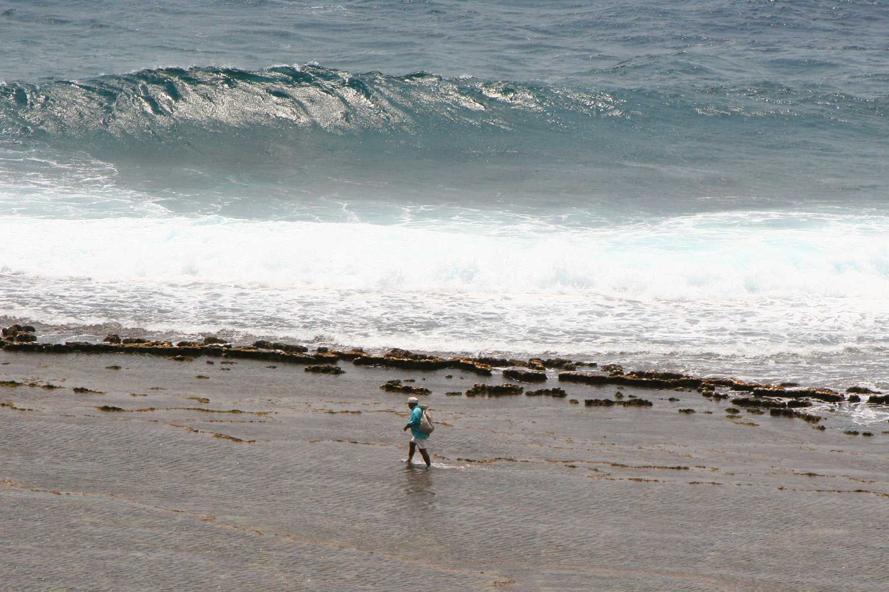 Batanes Islands Cultural Atlas - Waves - Surf - Philippines - Steven Andrew Martin - ECAI