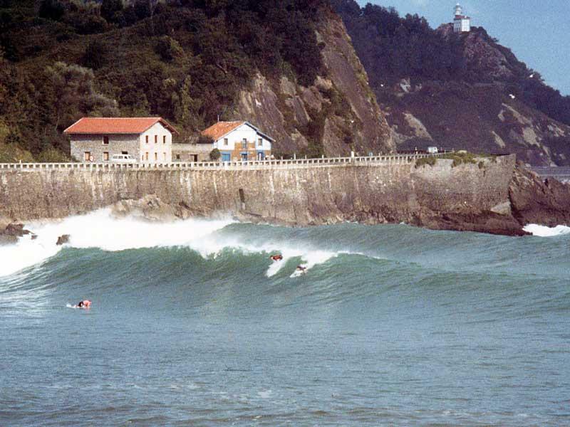 Surfing Ubiri point break – Karramarro (Crab) Basque Language - Steven Andrew Martin