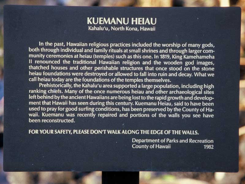 Kuemanu Heiau - Kahaluu Beach Park Hawaii  - Steven Andrew Martin - Ocean Safety