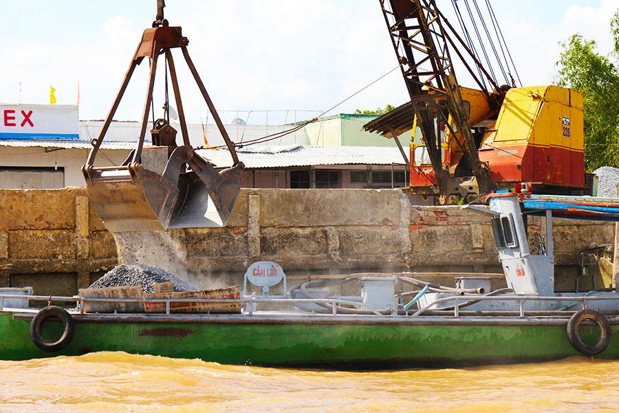 Mekong Delta - Land Reclamation - Crane Barge - Steven Andrew Martin