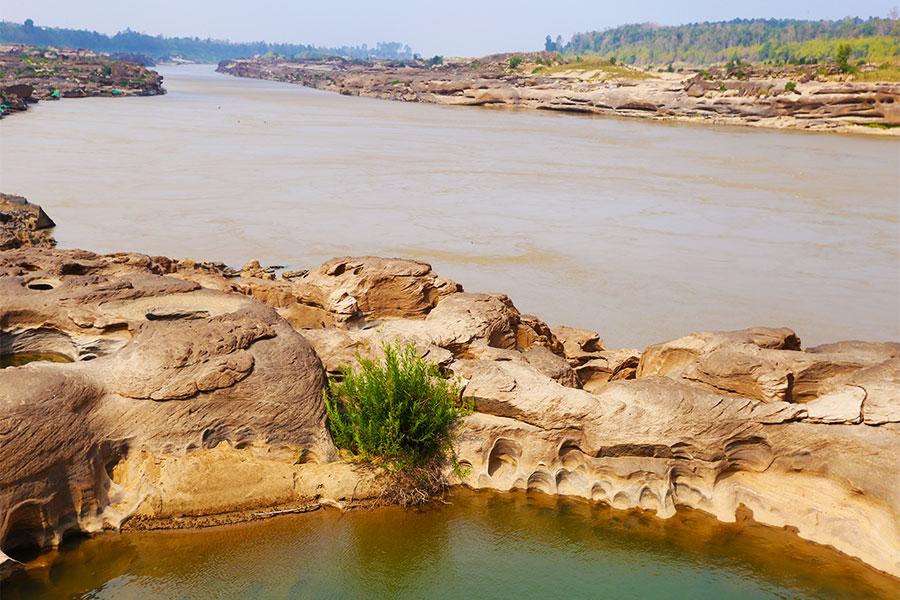 Sam Pun Boak - 3,000 Holes - Mekong River - Ubon Ratchathani - Thai Geography - Steven Andrew Martin