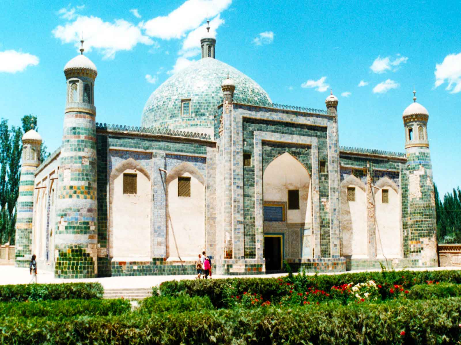 Afaq Khoja Mausoleum 1640 - Silk Road Photo Journal - University of Hawaii China Study Tour - Steven Andrew Martin