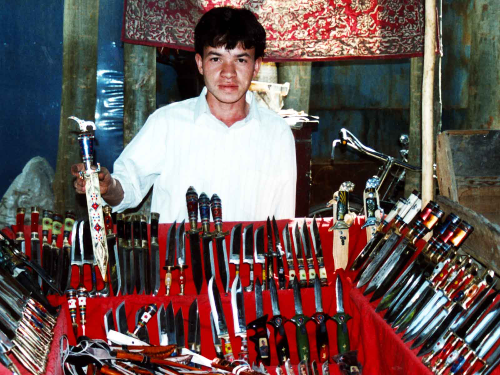 Kashgar knives - Silk Road China Photo Journal - Steven Andrew Martin - International Trade Market of Central and Western Asia