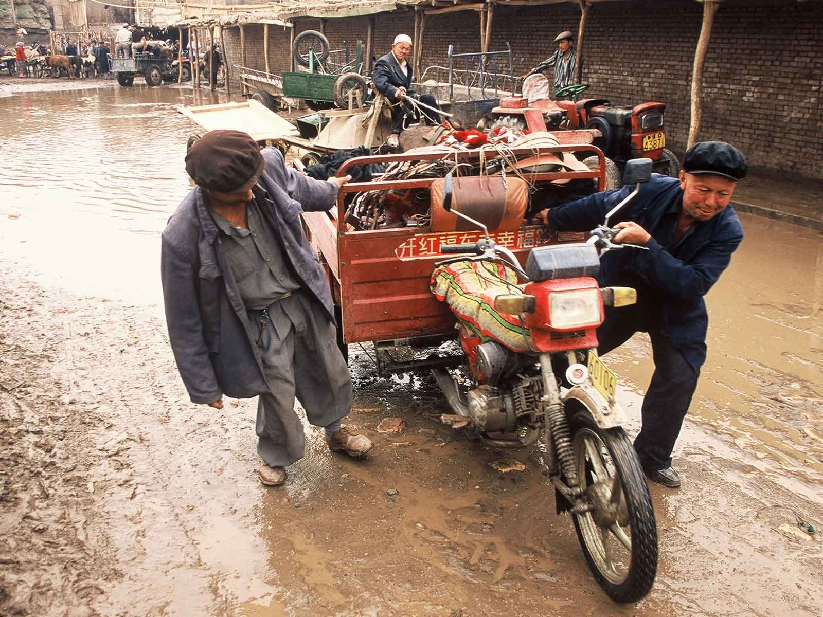 Kashgar Bazaar photo journal - China Silk Road - Dr Steven Andrew Martin - Study Abroad