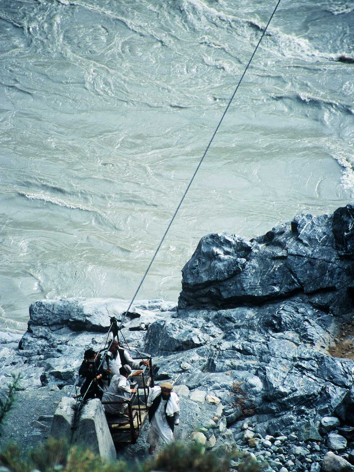 Crossing the Indus by single-cable chairlift | Shatial Pakistan | Study Abroad Photo Journal | Steven Andrew Martin | Learning Adventure